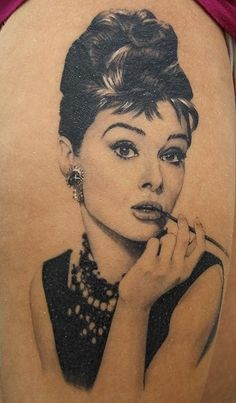Audrey Hepburn Portrait/Pin Up Tattoo - Xavier Garcia Boix. this is so well done! Pin Up Tattoos, Great Tattoos, Tattoo You, Beautiful Tattoos, Picture Tattoos, Body Art Tattoos, Portrait Tattoos, Wicked Tattoos, Watch Tattoos