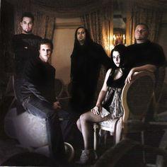 Evanescence I love them!!