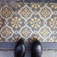 Little nugget of beauty on a doorstep in Warschauer Strasse.  #artbeneathourfeet  #floors #floor #doorsteps #selfeet #ihavethisthingwithfloors #ihavethisthingwithtiles #ihaveathingwithfloors #tiles #tileaddict #tileaddiction #pretty #fromwhereistand #lookdown #shoes #feet #berlin #berlino #warschauerstrasse #wanderer #wander #wanderlust #travel #traveler by artbeneathourfeet