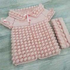 En Yeni Yakadan Başlamalı El Örgüsü Bebek Yelek Modelleri | M-visible.com Crochet Patterns, Sweaters, Fashion, Knit Baby Sweaters, Dots, Moda, Fashion Styles, Crochet Pattern, Sweater