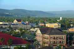 Here are a few things worth knowing about the parish of Trelawny in Jamaica. | Experience Jamaique Sanya Richards, Agricultural Sector, Georgian Architecture, Anglican Church, Cruise Port, Caribbean Sea, Heritage Site, Rafting, Jamaica
