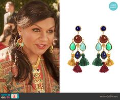 Mindy's earrings on The Mindy Project.  Outfit Details: https://wornontv.net/57022/ #TheMindyProject