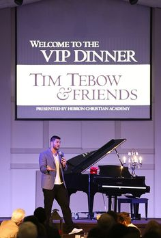 Tim Tebow, Jeff Saturday Speak at Christian Fundraiser | Gwinnett Daily Post Photo Gallery