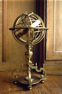 La Sphère armillaire de la fin du xve siècle, servait à étudier les mouvements des astres