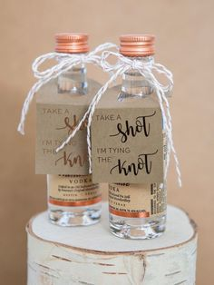 Take A Shot I'm Tying The Knot, Minuscule Alcoholic beverages Bottle Favor Tags! weddinggifts HAVE A Shot I'm Tying The Knot, Mini Alcohol Bottle Favour Tags! Wedding Souvenirs For Guests, Creative Wedding Favors, Wedding Favors For Guests, Wedding Shower Favors, Bridal Shower Guest Gifts, Wedding Favours Shots, Alcohol Wedding Favors, Beach Bridal Showers, Baptism Favors