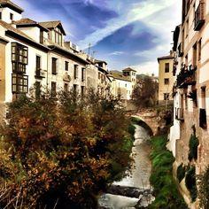 Paseo de los Tristes en Granada, Andalucía