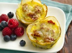 Mini Breakfast Quiches with Potato Crust. Try a new spin on quiche using an easy-to-make potato crust! Mini Breakfast Quiche, Muffin Tin Breakfast, What's For Breakfast, Breakfast Dishes, Breakfast Recipes, Breakfast Casserole, Breakfast Cupcakes, Overnight Breakfast, Breakfast Biscuits