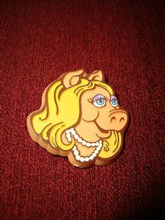 Miss Piggy Hallmark Pin