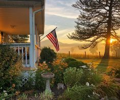 Farmhouse Remodel, Old Glory, Garden Spaces, Farm Life, Good Morning, Beans, Home And Garden, Bloom, Cleaning