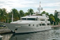 Motor Yacht | Seatech Marine Products / Daily Watermakers