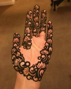 Explore Best Mehendi Designs and share with your friends. It's simple Mehendi Designs which can be easy to use. Find more Mehndi Designs , Simple Mehendi Designs, Pakistani Mehendi Designs, Arabic Mehendi Designs here. Arabic Bridal Mehndi Designs, Palm Mehndi Design, Legs Mehndi Design, Indian Mehndi Designs, Mehndi Designs 2018, Modern Mehndi Designs, Mehndi Design Pictures, Beautiful Mehndi Design, Palm Henna Designs