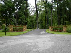 Larson – Driveway Entrance