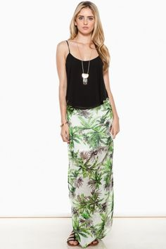 The perfect printed maxi skirt for a quick getaway. Open sides, side zipper, partially lined.