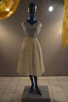 Venčane haljine od početka do 70-ih godina XX veka #nocmuzeja #bor Muzej rudarstva i metalurgije Bor