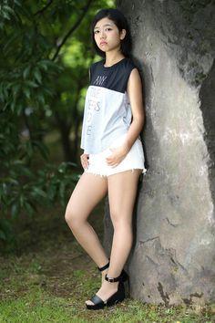 Burmese Girls, Girly Girl Outfits, Botas Sexy, Young Girl Fashion, Senior Photos Girls, Girls In Mini Skirts, Asian Model Girl, Japan Girl, Cute Asian Girls