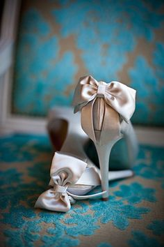 Bow love. wedding shoes
