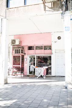 Tel Aviv// Reisebericht auf herzunblut.com // BAUHAUS in Tel Aviv // Bauhaus Architektur in der Weißen Stadt // Israel // Frisörsalon