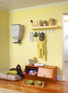 7 Creative Storage Ideas For Pet's Stuff - Shelterness Animal Room, Stuffed Animal Storage, Diy Stuffed Animals, Pet Station, Pet Corner, Creative Storage, Creative Food, Dog Rooms, Animal Projects