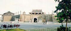 Singapore's Tang Dynasty City Attraction. Al parecer el gegocio se vino abajo y se destruyó este parque temático