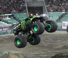 Monster Jam 2015 Is Coming To Orlando! Florida Activities, Activities To Do, Florida Travel, Travel Usa, Travel With Kids, Family Travel, Monster Truck Jam, Jam Roll, Orlando Events