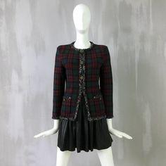 Rare Chanel 13 A Rouge Noir Tartan Cashmere Blazer Veste Cardigan Taille FR36 US2 4 | eBay Tartan, Chanel, Blazer Jacket, Tweed, Jackets, Ebay, Black, Cashmere Wool, Jacket