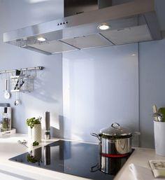 Fond de hotte ou cr dence d co pour la cuisine en verre - Comment fixer une credence de cuisine ...