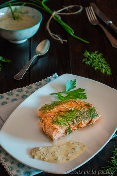 Preparar nuestros alimentos en casa con un toque ahumado es sencillo, esta es la prueba. Un Salmón exquisito!!! Olivas en la cocina