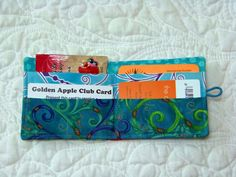 Attic Window Quilt Shop: THIS WALLET MAKES A NICE GIFT