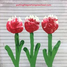Tulip art painting project inspired by the Canada 150 tulip, the Canadian Tulip Festival, and a rustic tissue box. An all-ages art activity the whole family can do. Canada 150 Tulip, Flower Activities For Kids, Tulip Painting, Tulips Garden, Painting Activities, Tulip Festival, Yellow Tulips, Painting Process, Preschool Art