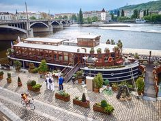 One day in Prague | Experience Europe Czech Beer, Different Architectural Styles, Visit Prague, Prague Castle, Old Town Square, Cities In Europe, Gothic House, Summer Picnic, Capital City