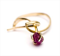 'Whisk' Ring 4, 18ct gold, uncut ruby by Sarah Warsop.