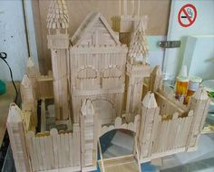 Someone draw me up a blue print for this popsicle stick castle... Please...