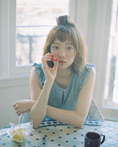 Whether they're super wispy, extra choppy, or curly, here's how Korean girls style their bangs in the cutest way. Korean Actresses, Korean Actors, Lee Sung Kyung Wallpaper, Weighlifting Fairy Kim Bok Joo, Kdrama, Joon Hyung, Kim Book, Swag Couples, Weightlifting Fairy