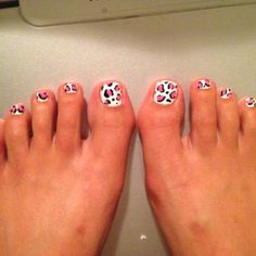 Pink and black leopard toes!