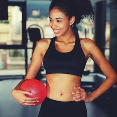 Stop belly bloat, see a flatter stomach and be well on your way to a six pack with the best of the best ab exercises. We have moves for beginner, intermediate and advanced levels so you can work your core no matter your fitness level.