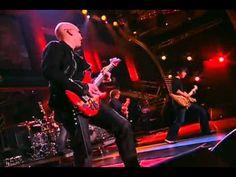Joe Satriani publicó en su página de facebook un adelanto del documental Shockwave Tour 2016