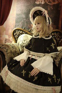 Gothic Lolita Dress, Gothic Lolita Fashion, Punk Fashion, White Fashion, Lolita Cosplay, Harajuku Fashion, Kawaii Fashion, Gothic Fashion Photography, Visual Kei