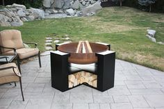 Fire Pit Grill, Diy Fire Pit, Fire Pit Backyard, Outdoor Fire, Outdoor Living, Outdoor Decor, Outside Fall Decorations, Outside Fire Pits, Fire Pit Materials