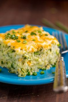 A golden cheesy crust seals in the fluffy, moist and creamy center of this zucchini casserole. This zucchini bake recipe is easy, irresistibly delicious and a great way to use up extra garden vegetabl Zucchini Muffins, Zucchini Casserole, Vegetable Casserole, Casserole Recipes, Cheesy Zucchini Bake, Zucchini Parmesan, Vegetarian Casserole, Zucchini Fritters, Rice Casserole