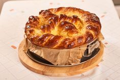 ernuta Jacque Pepin, Braided Bread, Ice Cream Pies, Romanian Food, Loaf Cake, Easter Recipes, Biscotti, Yummy Food, Sweets