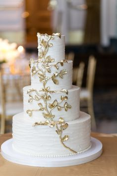 Wedding Cake with Gold Leaf | photography by http://emiliajanephotography.com