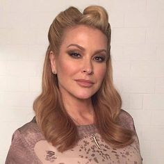 NEWS: This Thursday, March 24, the German TV channel ZDF broadcast the episode of Willkommen bei Carmen Nebel TV show where Anastacia performed 'Left Outside Alone' and 'I'm Outta Love'. Make sure you visit www.anastaciafanclub.com.pt for pictures and an high quality complete video of her appearance!