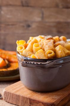 Autumn Pumpkin Mac&Cheese: http://en.julskitchen.com/vegetarian/autumn-pumpkin-mac-and-cheese