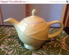 40% OFF CHRISTMAS SALE Vintage Hall Teapot