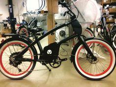 Gerade einen Kundenwunsch erfüllt YouMo RatRod Black mit Weisswandreifen. Wir finden es ganz cool . Irgendwie wirkt das YouMo immer wieder anders... Was meint ihr dazu? #YouMo #RatRod #eCruiser #instabicycle #bikelove #ebike #ebikecruiser #bikedesign Instagram Posts