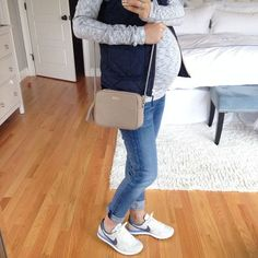 25 Ideas For Baby Bump Style Winter Jeans Cute Maternity Outfits, Stylish Maternity, Maternity Wear, Maternity Styles, Casual Pregnancy Outfits, Winter Maternity Fashion, Maternity Swimwear, Maternity Clothing, Baby Bump Style