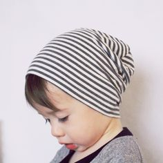 "Slouch+beanie+made+from+super+soft+organic+bamboo+knit.+Bamboo+is+""Thermo-regulating""+in+all+conditions.+    No+side+seams,+only+one+located+on+the+back+of+the+beanie.+    Beanie+Sizing:+  Small:+18+inches+(shown)  Medium:+19+inches+  Large:+21+inches  Custom+sizing+available,+just+provide+us+wit..."