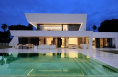 Modern look, reason why I want a two-story house /: