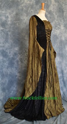 ARIADNE, AN ELEGANT DRESS IN RANDOM PLEATED TAFFETA AND BLACK CRUSHED VELVET IS DESIGNED AND CUSTOM MADE BY frockfollies. PERIOD IN STYLE, IT COULD BE WORN FOR MANY DIFFERENT OCCASIONS: MEDIEVAL/RENAISSANCE/ELVISH/FAERY WEDDINGS LARP EVENTS RE ENACTMENTS PAGAN/HANDFASTING