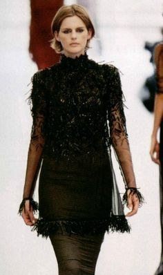 stella tennant at Chanel fall winter 1997/98 haute couture
